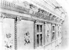 Château de Blois - Fenêtres et entablement, état après restauration