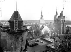 Eglise Saint-Nicolas-Saint-Lomer - Tour de Catherine de Médicis et église : ensemble, vue générale plongeante