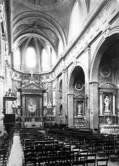 Eglise Saint-Vincent - Nef, vue de l'entrée