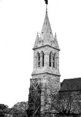 Eglise - Clocher, avec échafaudage