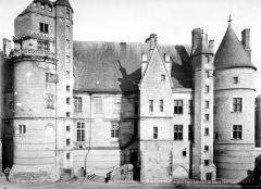 Hôtel ou Palais Jacques-Coeur - Bâtiment du centre, ensemble