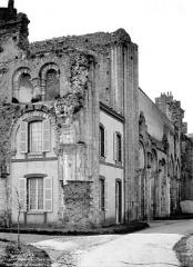 Ancienne abbaye Saint-Florentin - Ruines réemployées en maison d'habitation