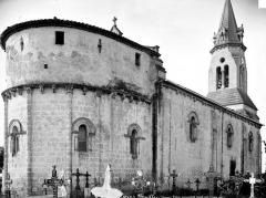 Eglise Saint-Siméon - Ensemble nord-est, avec tombes au premier plan
