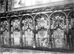 Ancienne abbaye de Brou - Eglise, intérieur : détails d'ornementation d'un bas-côté