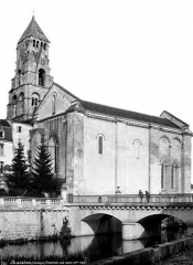 Ancienne abbaye - Eglise Saint-Pierre-et-Saint-Sicaire : Ensemble sud-ouest