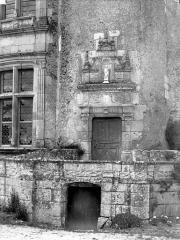 Domaine de Chenonceau - Donjon, détail : porte
