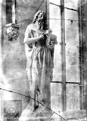 Château et ses abords - Chapelle, intérieur : statue de saint Jean-Baptiste