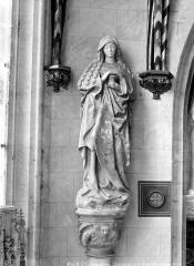 Château et ses abords - Chapelle, intérieur : statue d'une sainte