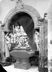 Eglise Saint-Martial - Intérieur : tombeau de la Vrillière, ensemble