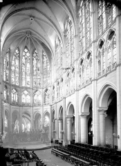 Eglise Saint-Pierre - Intérieur : choeur
