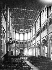 Eglise Saint-Aignan - Intérieur : nef, vue de l'entrée