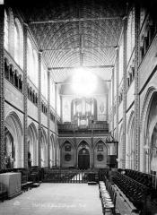 Eglise Saint-Aignan - Intérieur : nef, vue du choeur