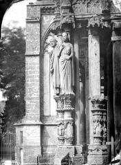 Cathédrale Notre-Dame - Figures du portail nord