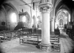 Eglise Saint-Leu-Saint-Gilles - Vue intérieure de la nef et du bas-côté sud, vers l'est