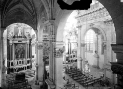Collège - Chapelle : Vue intérieure de la nef prise de la tribune nord