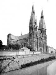 Eglise Notre-Dame-en-Vaux et son cloître - Ensemble nord-ouest