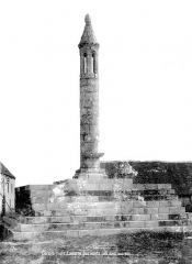 Lanterne des Morts - Côté ouest