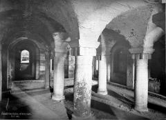 Eglise Saint-Denis de Condé - Vue intérieure de la crypte