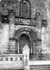 Eglise Saint-Barthélémy - Portail de la façade ouest