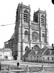 Eglise Saint-Pierre (ancienne abbatiale) - Ensemble ouest