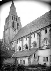 Ancienne abbaye bénédictine - Façade sud et clocher