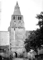 Ancienne abbaye bénédictine - Clocher, côté sud