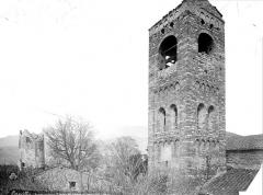Eglise Sainte-Marie - Clocher de l'église et donjon du château