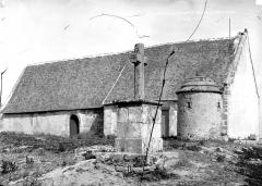 Eglise Saint-Goustan - Façade latérale et calvaire