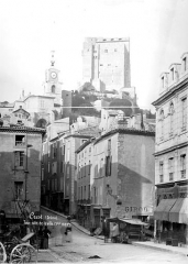 Château - Donjon : Vue générale prise de la ville