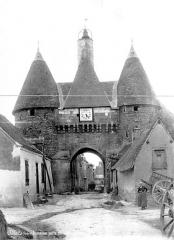 Ancienne porte de ville - Vue d'ensemble extra-muros
