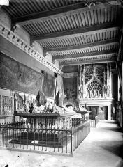 Palais des Ducs et des Etats de Bourgogne - Salle des tombeaux
