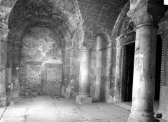 Ancienne cathédrale, actuellement Eglise Notre-Dame - Porche de la façade ouest : Vue intérieure