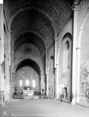 Cathédrale  dite église Notre-Dame-du-Bourg - Vue intérieure de la nef vers le choeur