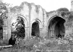 Eglise Notre-Dame du Pré (ruines) - Restes de la nef