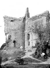 Château - Donjon : Vue intérieure
