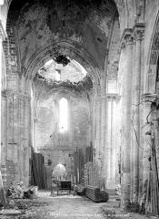 Eglise Saint-Denis (ruines) - Vue intérieure du choeur