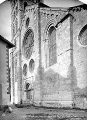 Eglise Notre-Dame (ancienne cathédrale) - Façade ouest, vue en perspective