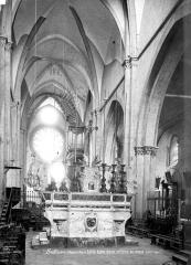 Eglise Notre-Dame (ancienne cathédrale) - Vue intérieure du choeur et de la nef vers l'entrée