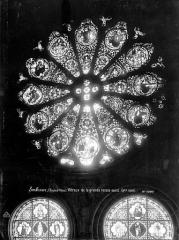 Eglise Notre-Dame (ancienne cathédrale) - Vitraux de la grande rosace au revers de la façade ouest