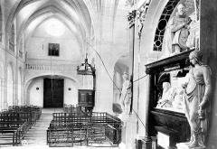 Collège de la Ville - Chapelle : Vue intérieure de la nef vers l'entrée