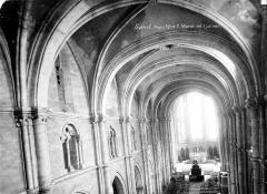 Eglise Saint-Maurice - Vue intérieure de la nef vers le choeur, prise au niveau des tribunes