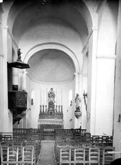 Eglise Notre-Dame-des-Pins - Vue intérieure de la nef vers le choeur