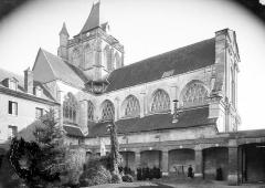 Ancienne abbaye Saint-Taurin - Façade nord prise du cloître