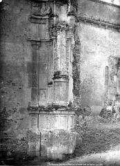 Eglise Saint-Pierre - Transept nord : Pilier Renaissance
