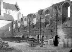 Abbaye Notre-Dame - Eglise : Vue intérieure de la nef, côté sud