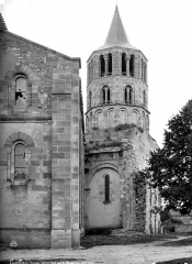 Eglise Saint-Pierre - Façade sud et clocher