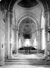 Eglise Saint-Laurent et Notre-Dame - Vue intérieure de la nef vers le choeur