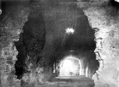 Château (ruines) - Passage souterrain