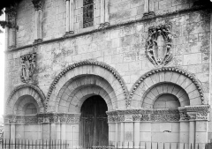 Eglise Saint-Martin - Portail de la façade ouest : Arcatures