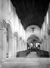 Eglise Saint-Valentin - Vue intérieure de la nef vers le choeur